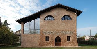Restoration of an old barn/Bologna